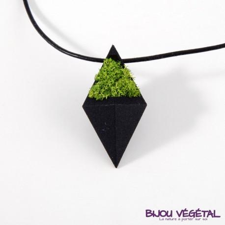 Collier diamant noir avec végétal