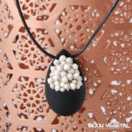Collier goutte noir avec petites fleurs blanches