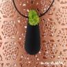 Collier amphore noir avec petites fleurs blanches permanentes