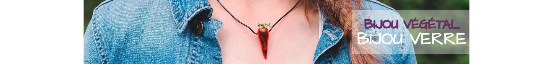 Bijoux en verre avec végétal